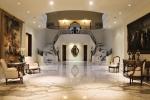 ntigos-como-poltronas-estilo-luis-15-e-luis-16-piso-e-escada-de-marmore-calacata-gold-executados-pela-marmoraria-neogran-11-6607-4336-ne
